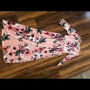 Stretchy floral maxi dress with pockets